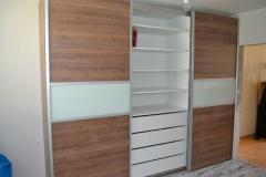 skrine_210
